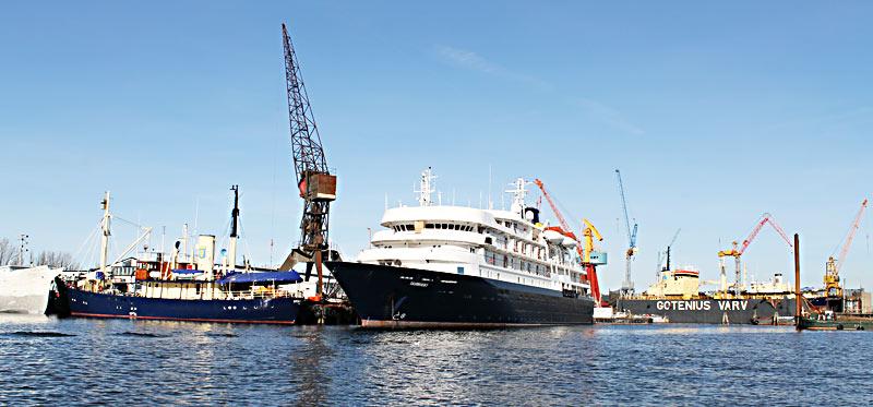 M/S Stockholm, M/S Caledonian Sky och M/S Scandica vid Gotenius varv.